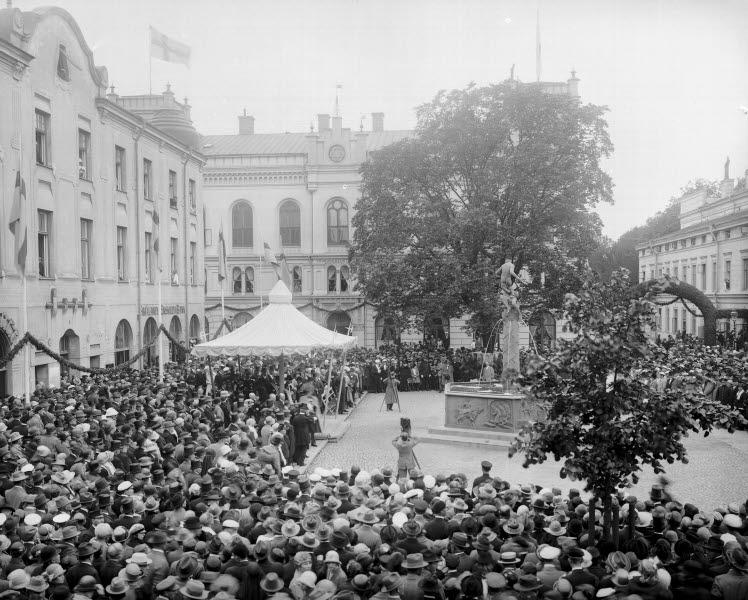 Larmtorget Invigning av Vasabrunnen vid Kulturmässan