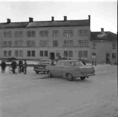 Långkatekesen Drottning Margaretas väg Ståthållargatan februari 1965. Bilkrock
