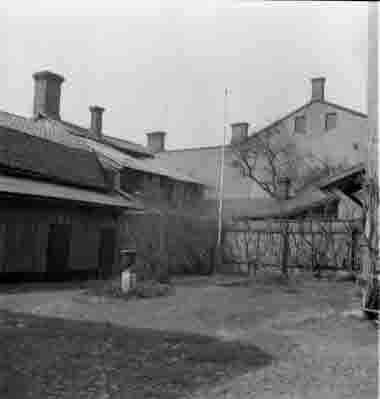 Nybrogatan tomt nr 8, intill skohandlare Karlberg 19/4 1964