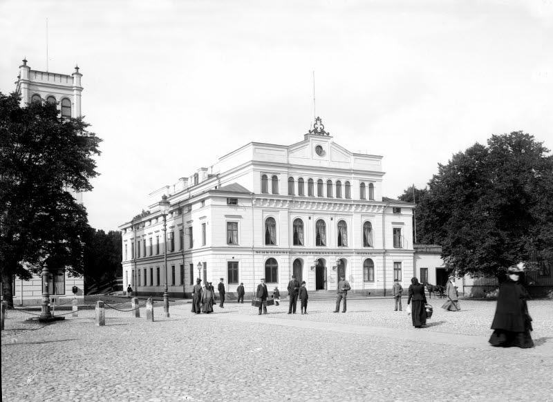 Larmtorget Teatern, brunnen på Larmtorget