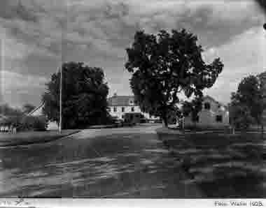 Sundtorp Ljungbyholm. Mangården från söder. Foto Wallin 1925