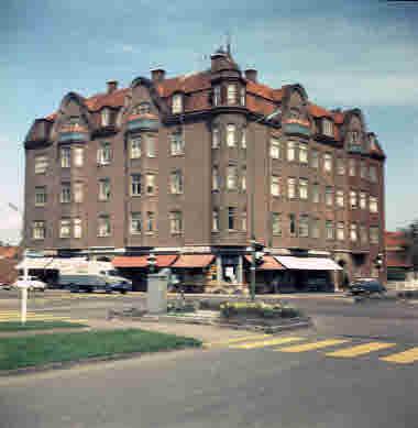 Norra vägen - Esplanaden. Klojan 10/5 1964. Konsum