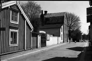 Nybrogatan. Nr 16 mot Strandgatan 23/5 1965