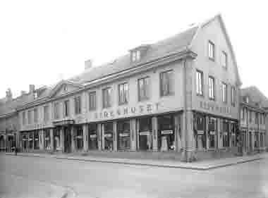 Sidenhuset exteriör hörnet Storgatan - Kaggensgatan